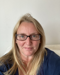 Tracey Warrener Wellbeing and Career Coach