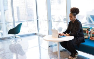 Practical tips for online interviews and meetings