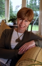 Elizabeth Juffs, Accredited Professional Coach BEd MAC CCG