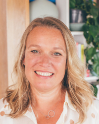 Ruth Etches LLB (Hons) DipCNM mBANT CNHC Nutrition & Functional Medicine