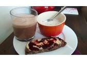 Hazelnut coffee, chia seed pudding and seed loaf