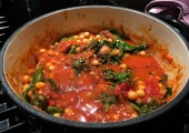 Family Favourite - Nutrient-packed powerhouse!<br />Chicken, tomato, chickpeas, spinach, onions, garlic, chicken broth, fresh herbs