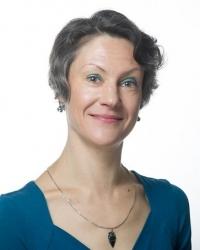 Elena Holmes BSc (psychology), MA, MSc (Nutritional Therapy), mBANT, mCNHC, mRSM