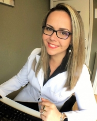 Carolina Capellari Simon, BSc (Hons), PG Dip, CISSN certified