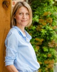 Angela Goutkin, BSc, DipION, Registered Nutritionist mBANT, CNHC