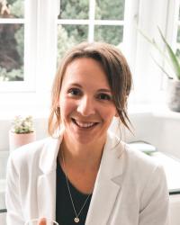 Muriel Wallace-Scott, Registered Nutritional Therapist, DipION, mBANT, rCNHC