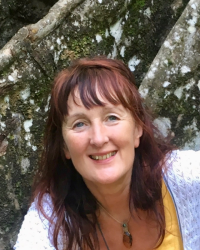 Holly Paige - living nutrition practitioner and hypnotherapist