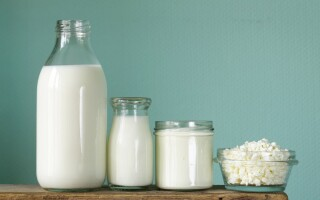 What are the signs of dairy intolerance?