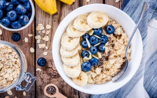 What does the recommended intake of fibre look like?