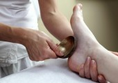 Kansa Vatki Ayurvedic foot massage - Using the metal kansa vatki bowl