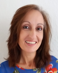 Nadia McArthur MAR, DCHyp, Reiki Master