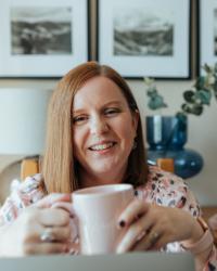 Hayley Merrick - Online Menstrual & Fertility Hypnotherapy, Womb Healing, Reiki.