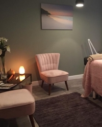 Clare Stainer  (Reflexology), Reiki and Indian Head Massage ) MFHT,MAO